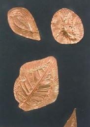 落ち葉と銅箔のレリーフ.JPG